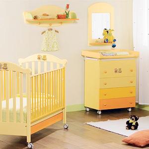 Уголок для новорожденых